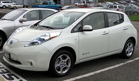 Mobil listrik Nissan Leaf keluaran 2011
