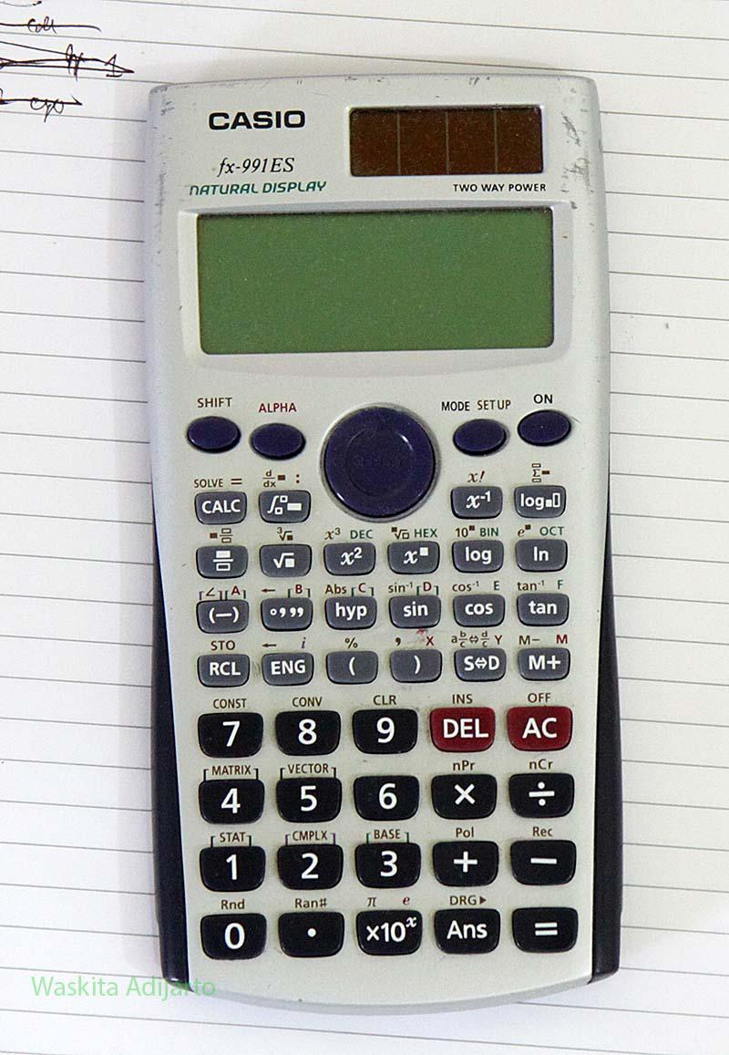 Kalkulator Casio fx-991ES