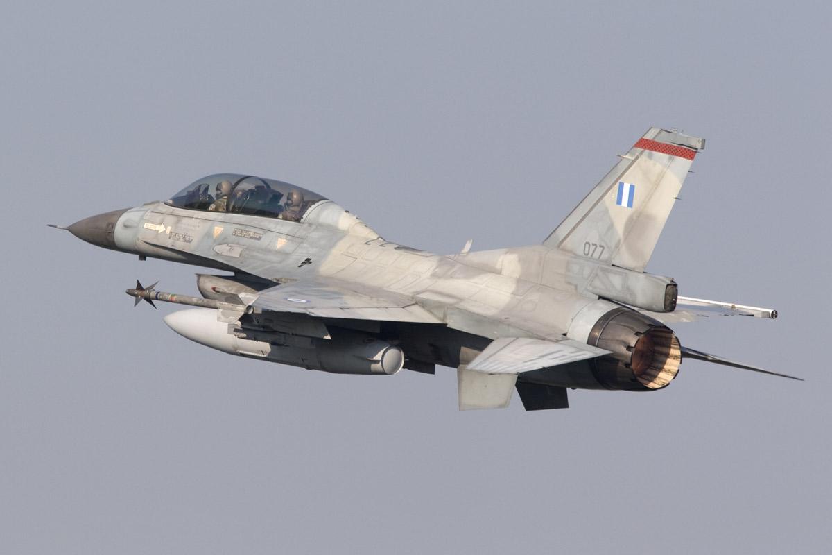 F-16D milik Yunani, serupa dengan yang jatuh