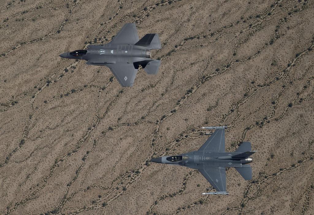 F35 dan F16