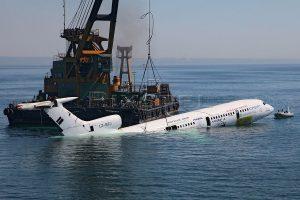 TU154 LZ BTJ sedang ditenggelamkan
